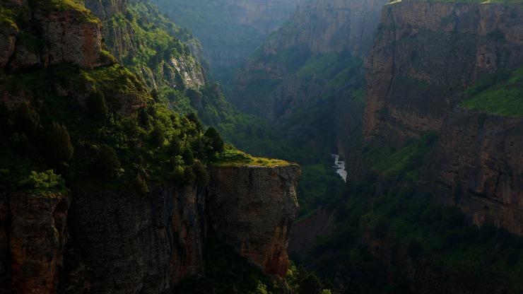canyon-1740973_1920.jpg